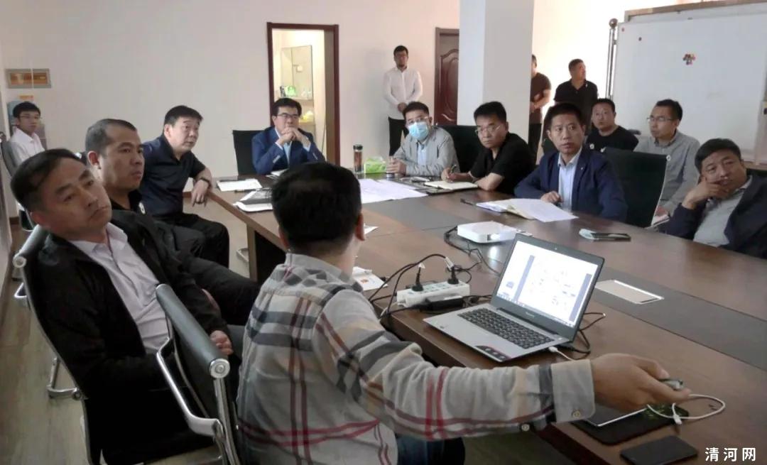 清河县召开棚户区改造现场会!会议听取了王化庄、家乐园西南片区棚户区改造进展和评审情况