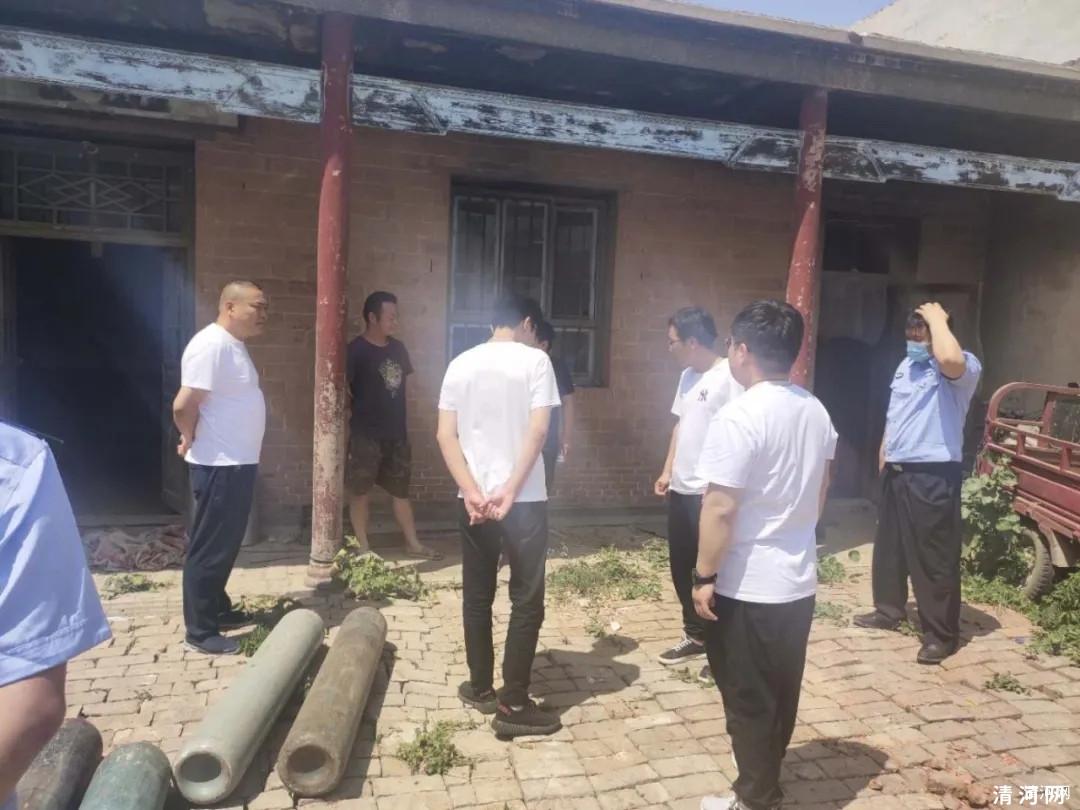 武家那村一民居内存储大量气瓶被查!